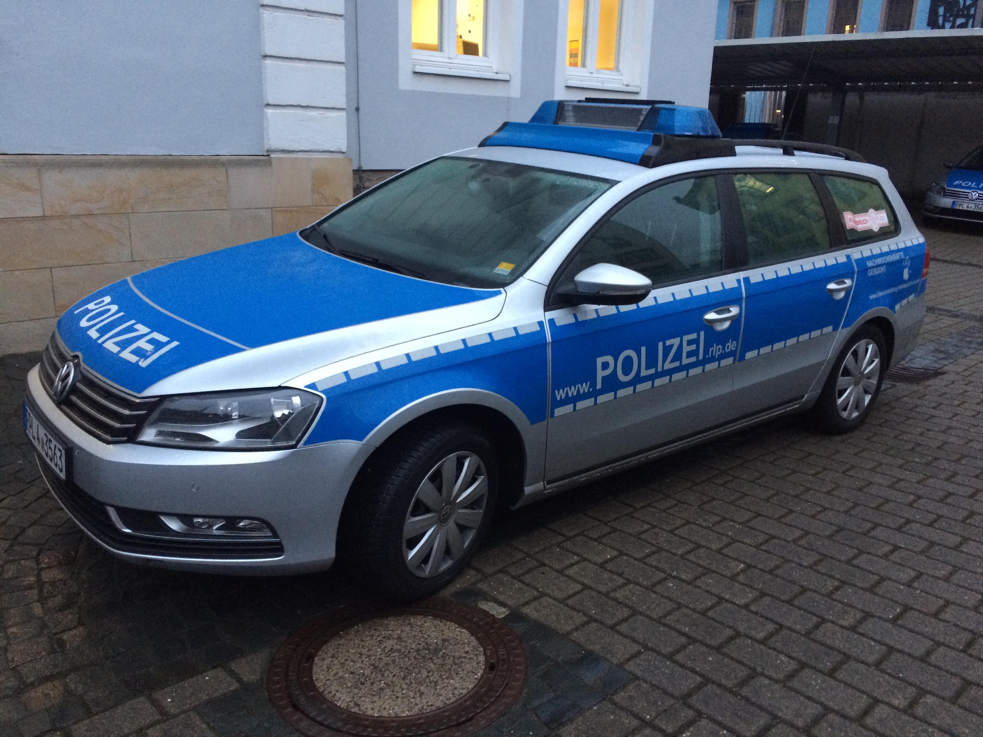 Streifenwagen(Polizei Kusel)